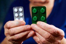 Тульские фармацевты оформили витрины для пенсионеров и малоимущих